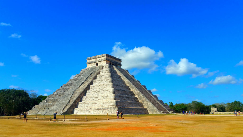 Mexico Chichen Itza MOTM Linsay, Young Curvy Abroad - Fat Travel