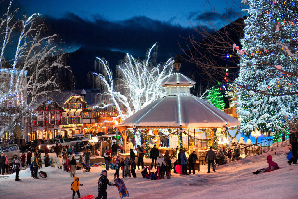Leavenworth WA Christmas Light | Packs Light
