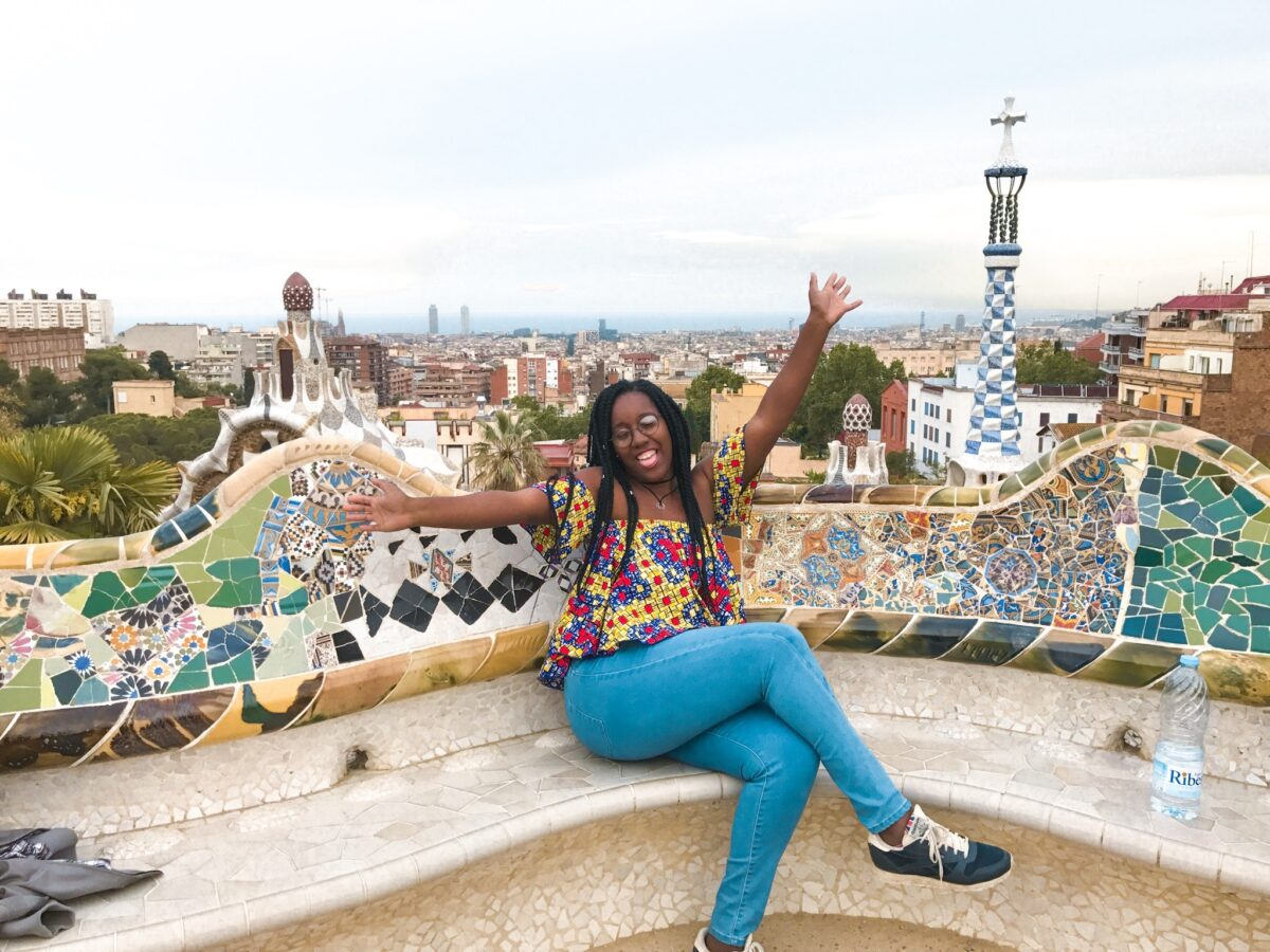 Young Travelers Network_Shermee_-__Barcelona__Spain Black Travel
