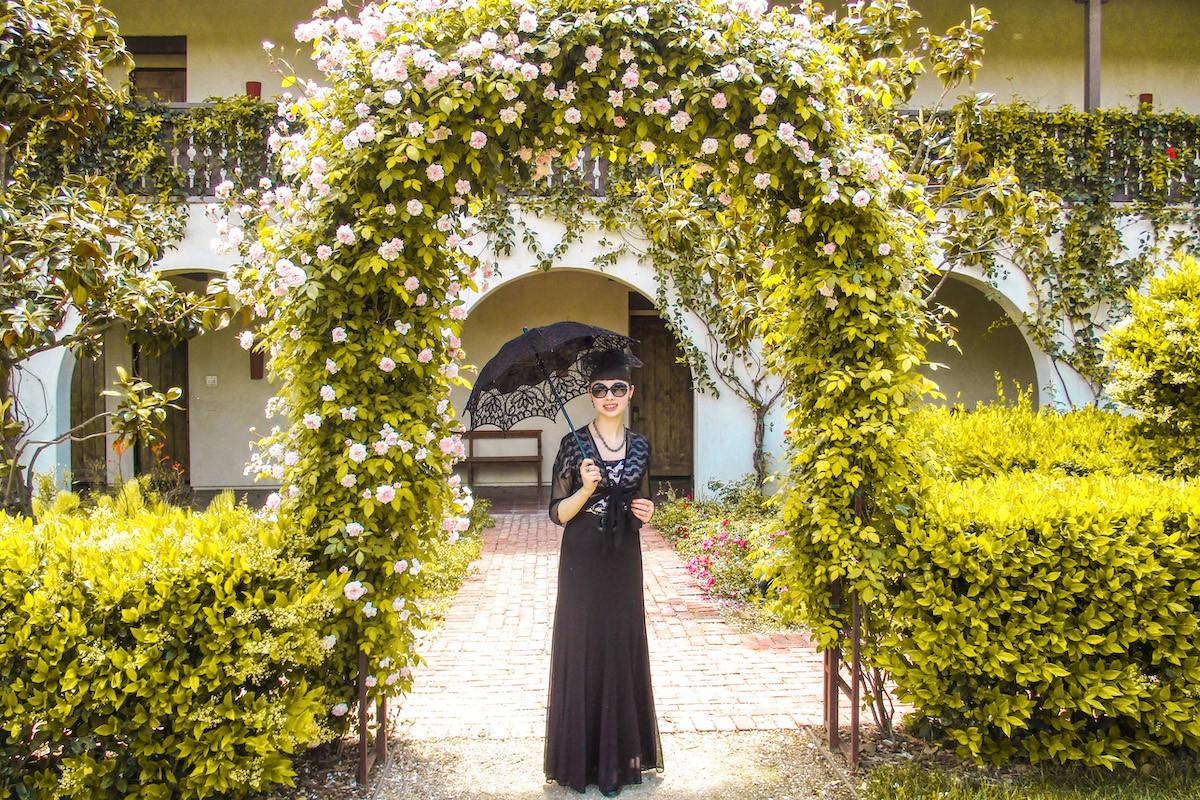 Tiffany Brannen - Vintage Clothes Traveler1
